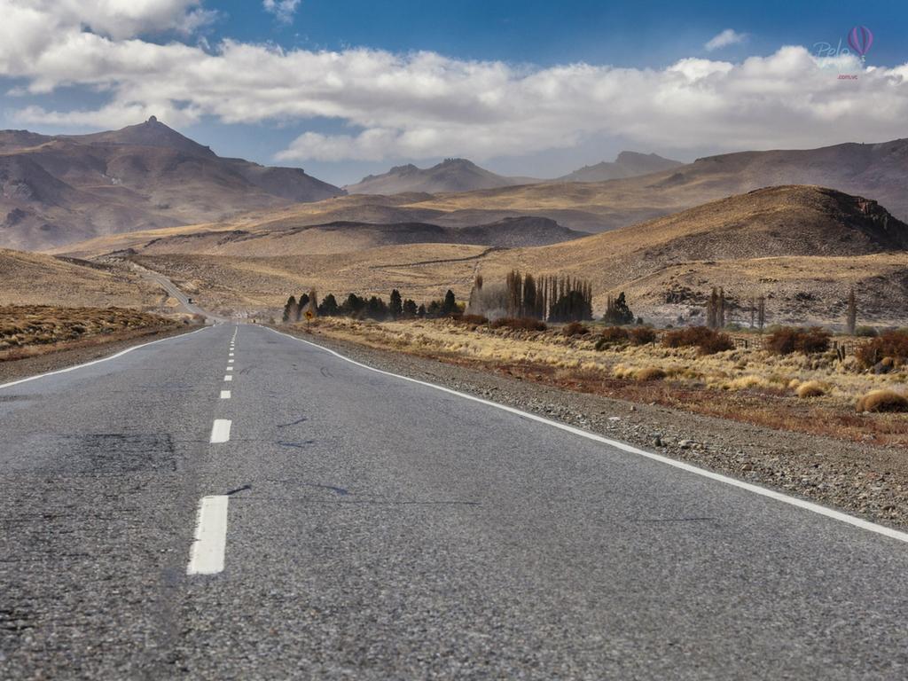 Estradas ARgentina. Villa angostura