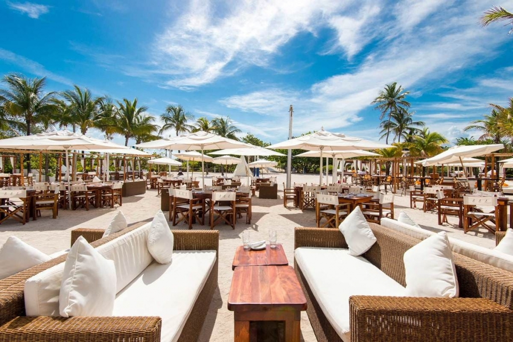 Nikki Beach bar